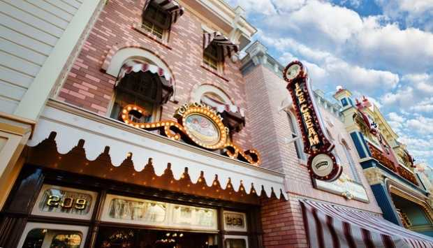 Where: Gibson Girl Ice Cream Parlor at the Disneyland ParkWhat: Make lunch out of the Firehouse Dalmatian Mint Sundae. It's two-scoops of mint chocolate chip ice cream served in a waffle cup and topped with whipped cream, chocolate chips and a cherry.