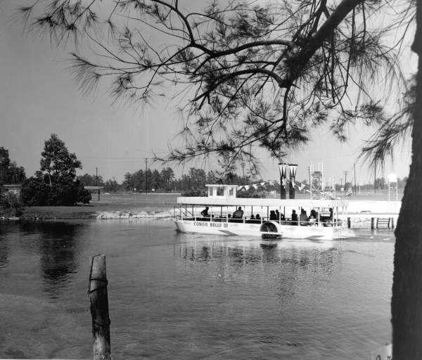 A glass bottom boat tours the springs in 1963.