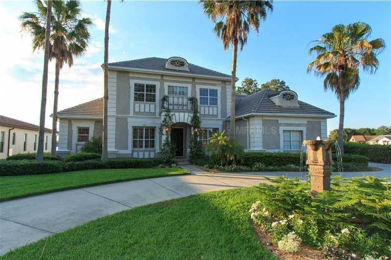 Take a tour of this 8,000 sq. ft. home in Dr. Phillips, on the market for $1.7M.