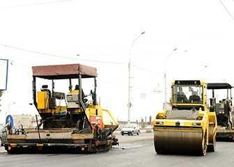 42. Operating Engineers/Construction Equipment Operators - 23.6% growth (+5,291 jobs) - $17.89