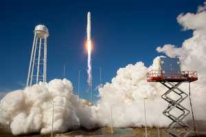 18. Watch a rocket launch from one of the best viewing sites, Rotary Riverfront Park.TIP: The park has limited parking, so get there early.