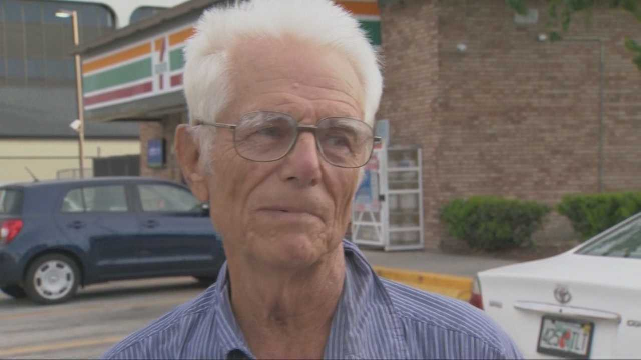 79-year-old Army veteran fights off armed robber at gas station