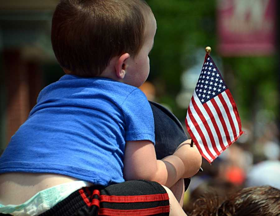What: Mt. Dora Independence Day ParadeWhen: July 4, 10 a.m.Where: Downtown Mount DoraThe parade will begin at 7th Avenue in Downtown Mt. Dora beginning at 10 a.m. Guests are encouraged to bring a chair or cushion, wear red, white and blue and watch the 100 participants march down the streets.