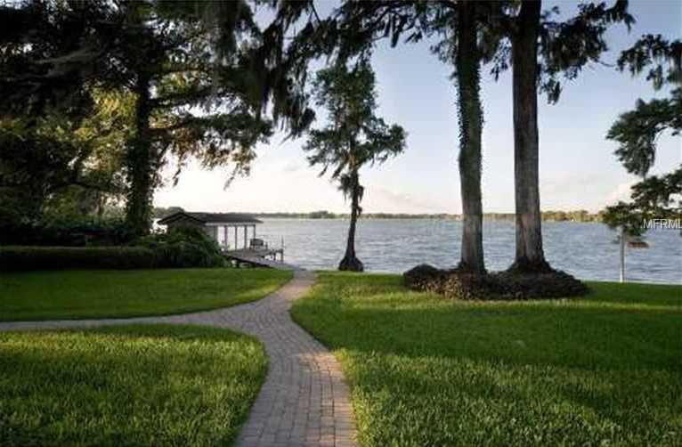 The beautiful property sits on a 4.62 acres in Winter Park.