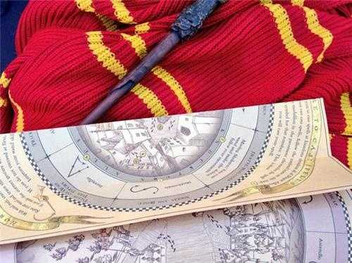 Harry Potter Toys: Wand, Map and Gryffindor Scarf