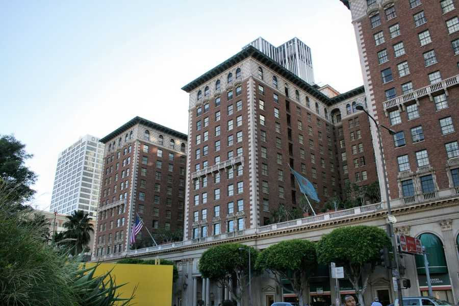 4.The architecture of the tower was inspired by multiple Southern California landmarks, such as the Biltmore Hotel and the Mission Inn.