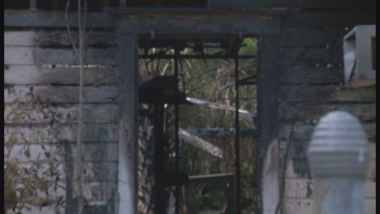 Authorities investigate 4 suspicious fires