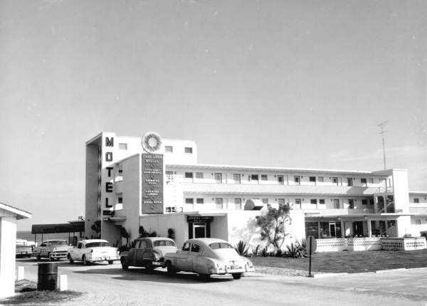 1958: Vanguard Motel