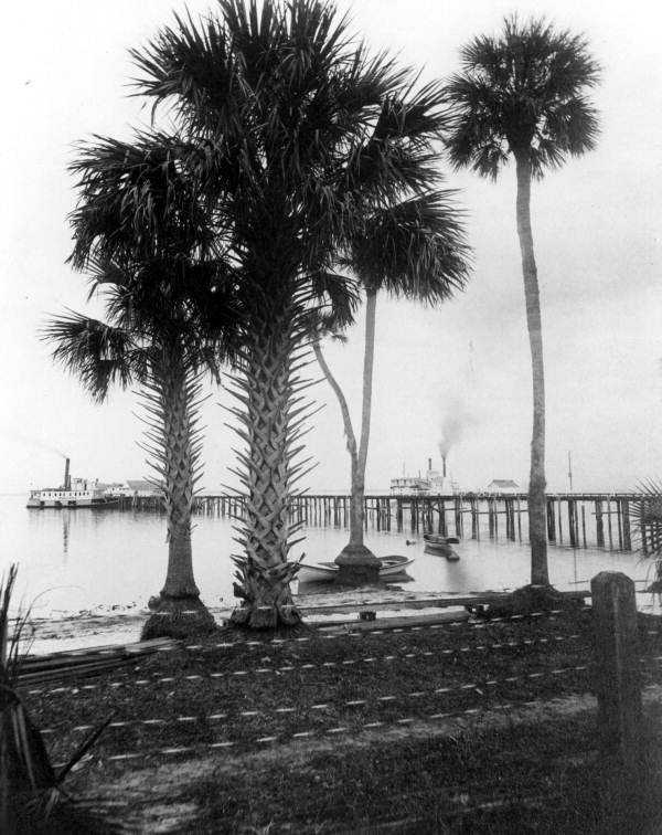 1886: View of the steamboats at the pier on Lake Monroe in Sanford