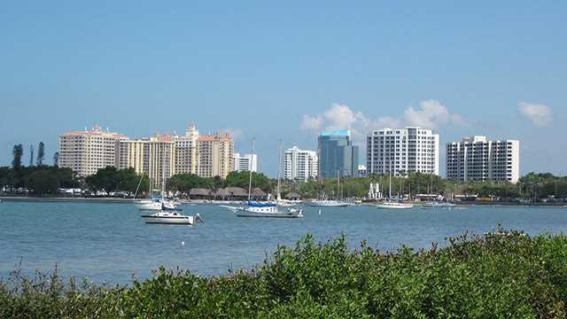 12. Sarasota, FLPopulation: 53,055Violent Crimes: 8.03 per 1,000 residentsProperty Crimes: 55.11 per 1,000 residentsTotal Reported Crimes: 63.14 per 1,000 residents