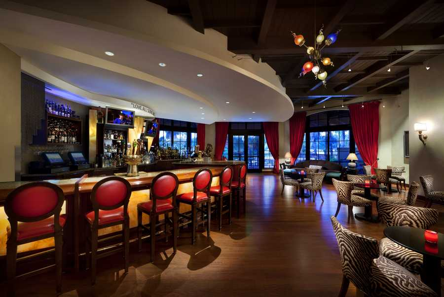 """Don't forget to consider the hotels when looking for a """"chill"""" spot to enjoy a drink and a social night out. Here are seven of the best hotel bars in Orlando."""