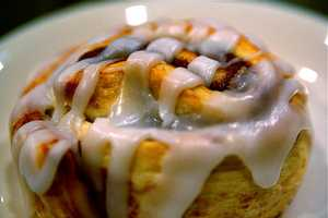 34.CinnabonIt's no secret what makes Cinnabon so special - they may be the world's best cinnamon roll, complete with warm dough filled with the legendary Makara Cinnamon, topped with rich cream cheese frosting.Address:6000 Universal Blvd #700, Orlando, FL 32819