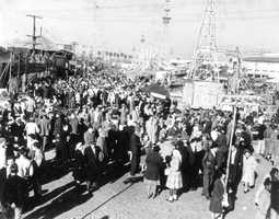 1947: The Florida State Fair is packed.