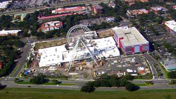 The Orlando Eye weighs about 3 million pounds.