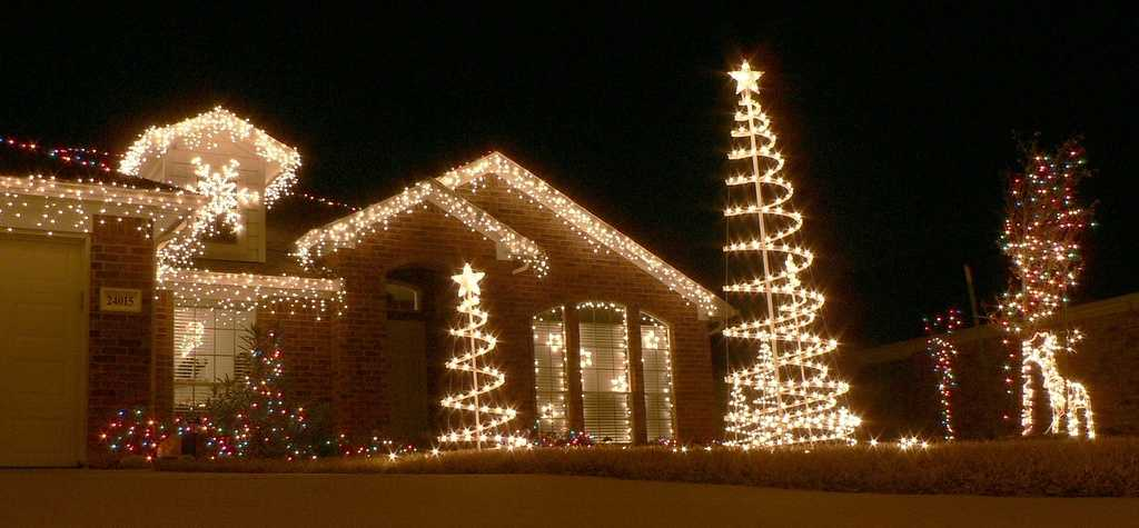 & FREE places to see Christmas lights in Central Florida azcodes.com