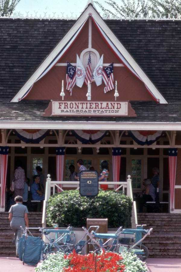 Frontierland railroad station in 1975