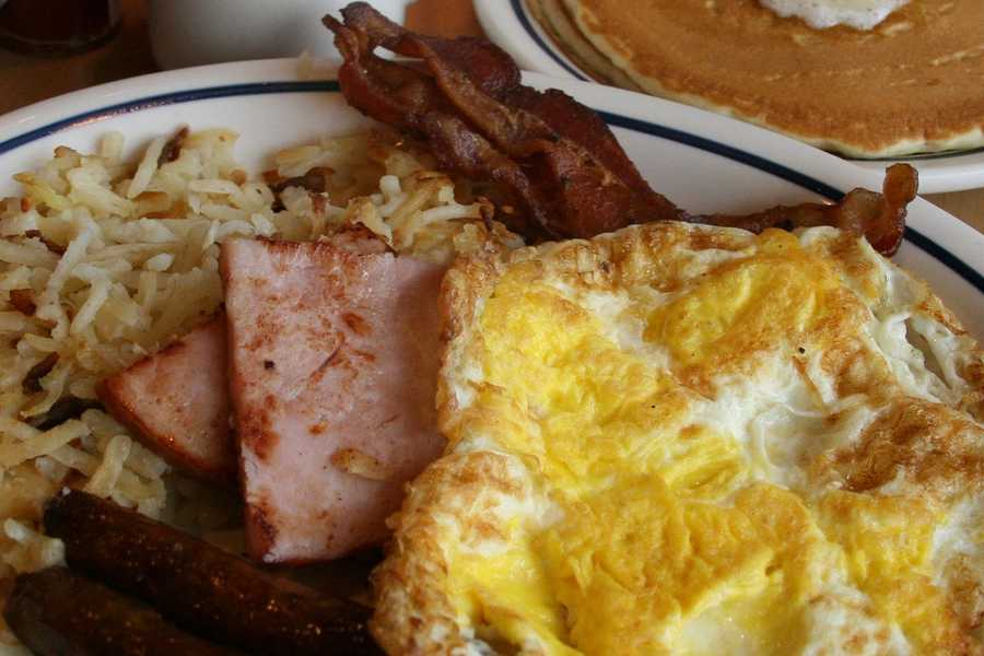 3. Mel's Family DinerAddress:3221 S. Orlando Dr., Sanford, FL 32773