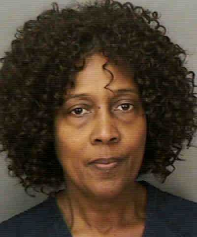 STREETER, CYNTHIA  DELORES  - LARC-COMMIT THEFT RESIST RECOVERY OF PROPERTY