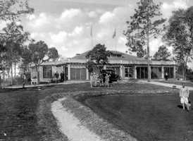 1920s - People outside Orange City Country Club