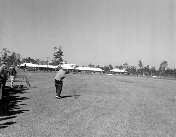 1959 - Don Vossler plays golf at Rio Pinar Golf Course in Orlando