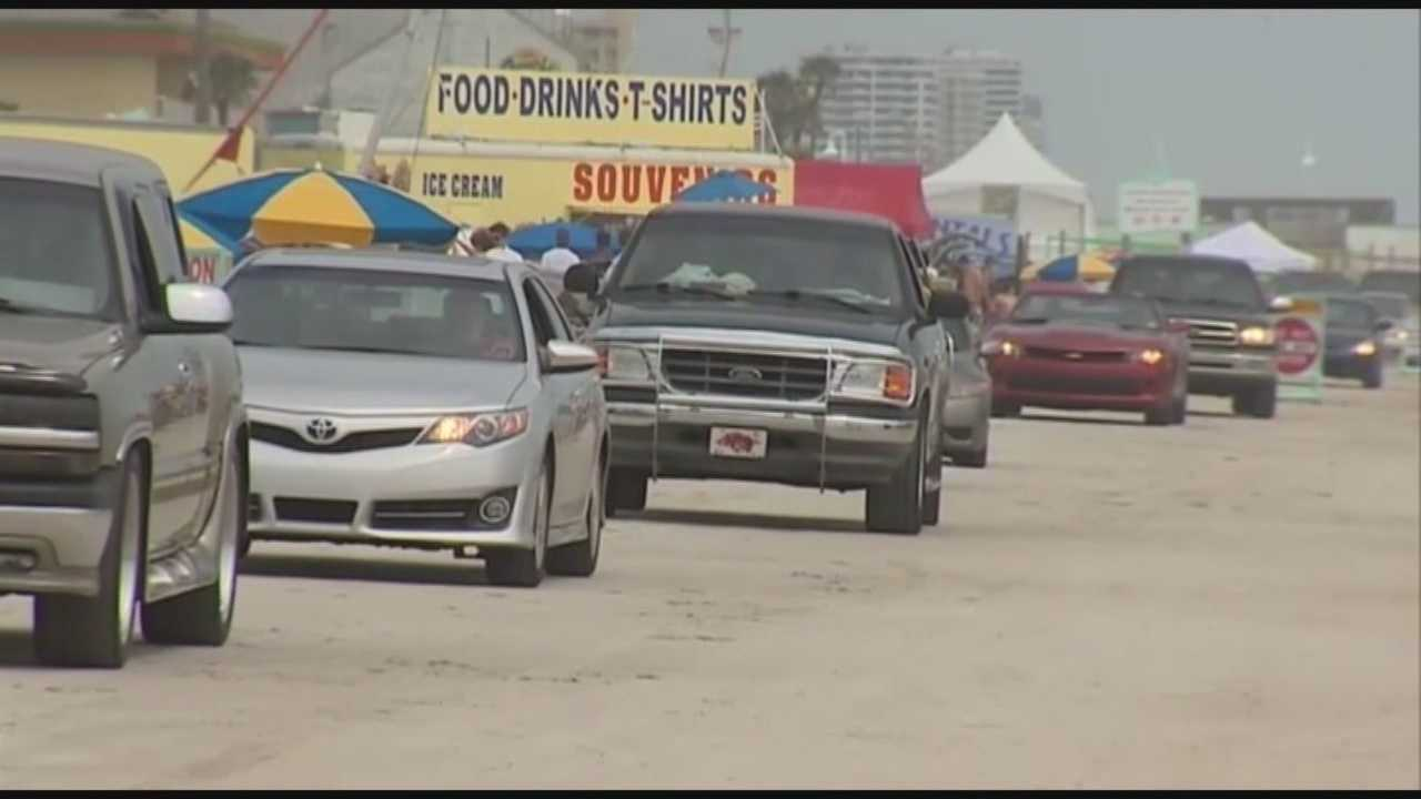 The Volusia County Council agreed to draft an ordinance raising access fees to drive on the beach Thursday.