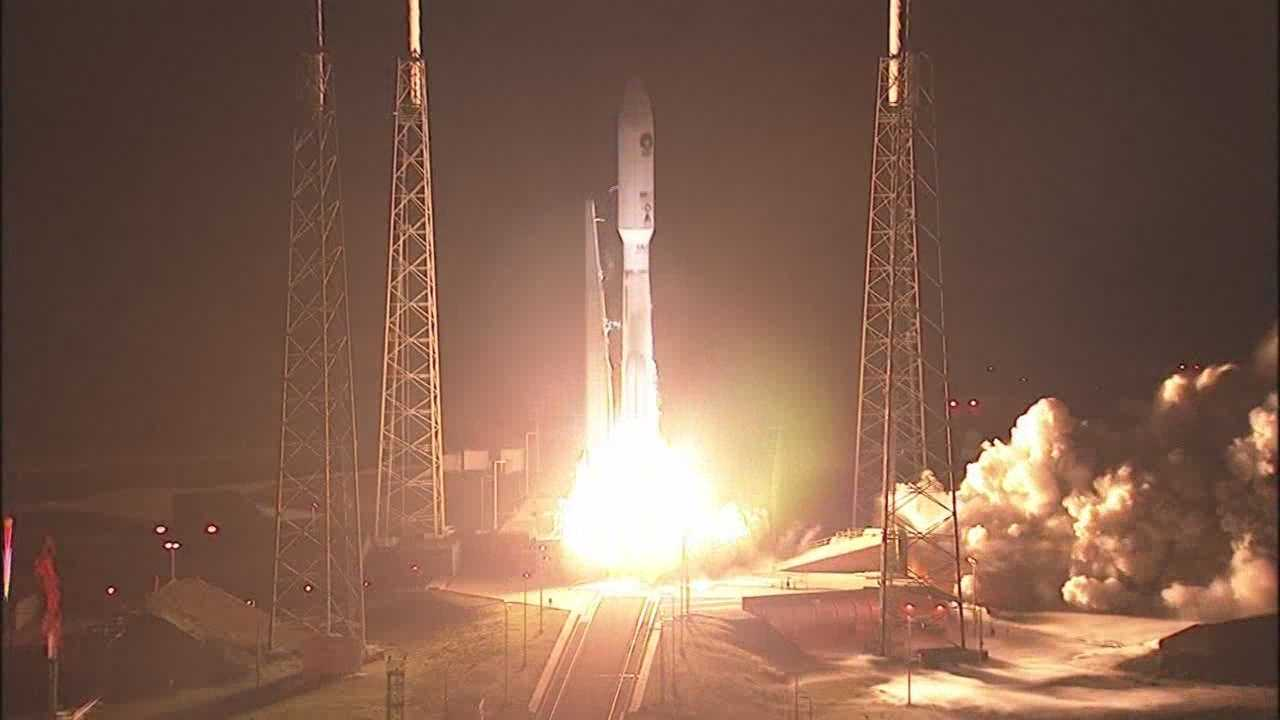 Photo of United Launch Alliance Atlas V rocket carrying Navy satellite.