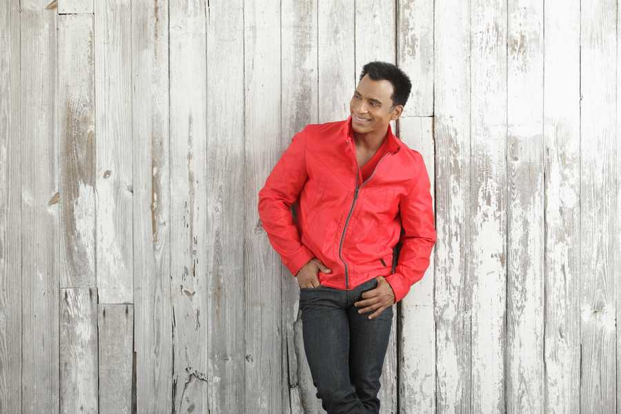 "6. Jon Secada (""Just Another Day"") - April 17-19"