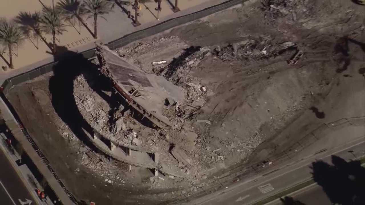The company in charge of the demolition of the Round Building in downtown Orlando has walked off the job, the city said Tuesday. Gail Paschall-Brown (@GPBwesh) reports.