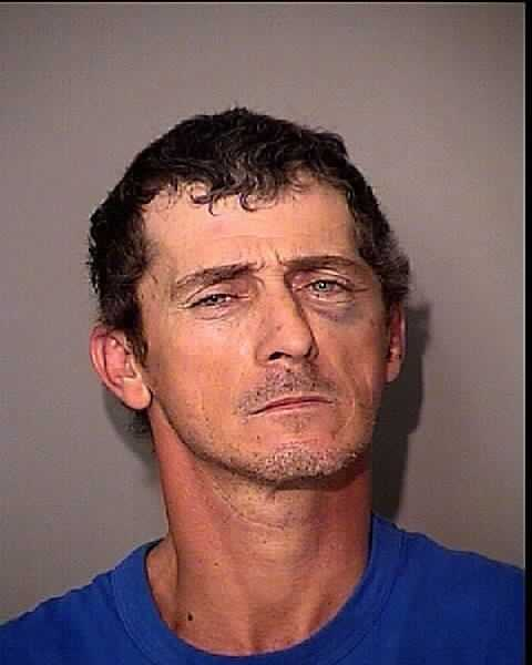 HINTON, JOHNNY: RESISTING OFFICER W/ VIOLENCE843.01 RESISTING OFFICER W/ VIOLENCE784.0487-4A VIO INJ 500 FT PET RES/SCH/EMP