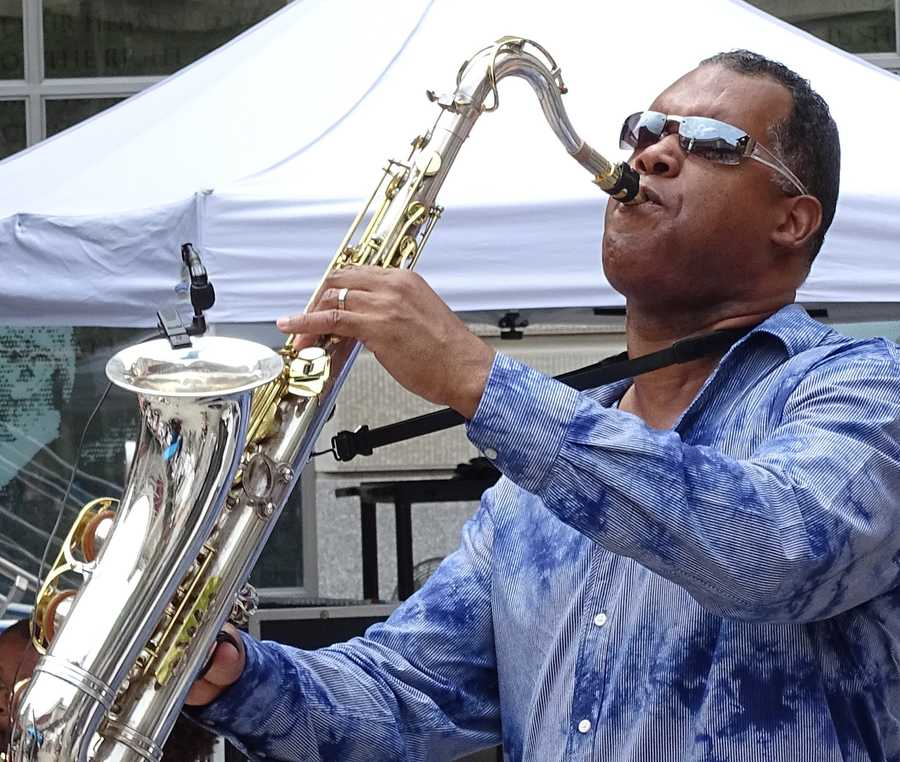 4. Ventana Al Jazz When: Saturday 5:30 - 10 p.m. Where: 195 N Rosalind Ave.,Orlando, Fla. 32801What: Come out for a free Latin jazz concert this Saturday at Lake Eola park. This is a family friendly event for all ages.