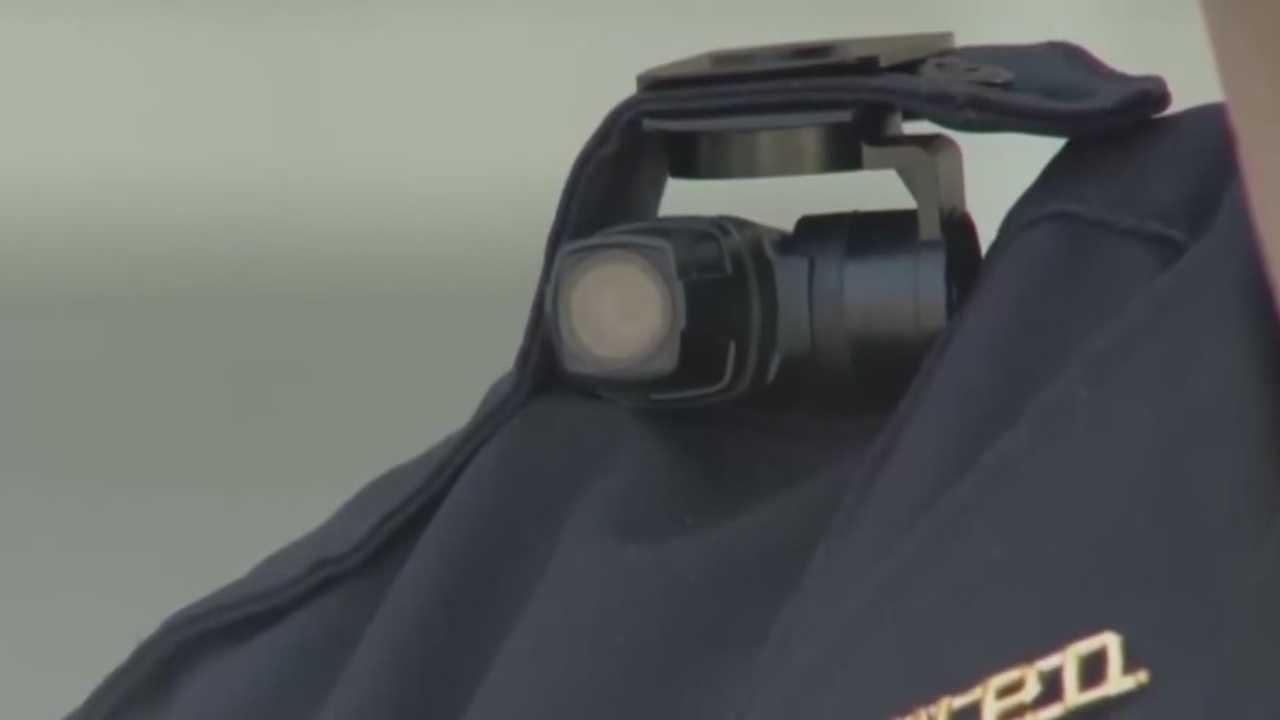Orlando Police Chief John MIna said Monday that the department will receive 450 body cameras at the cost of nearly $1.7 million. Chris Hush (@ChrisHushWESH) has the latest.