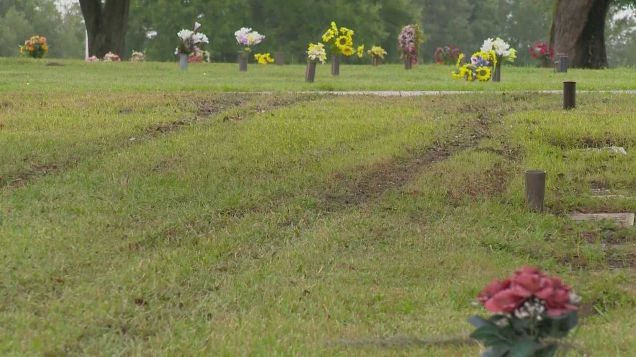 Two teens are in custody after they drove through a local cemetery during a car chase, according to the Orange County Sheriff's Office. Michelle Meredith (@MichelleWESH) has the latest.