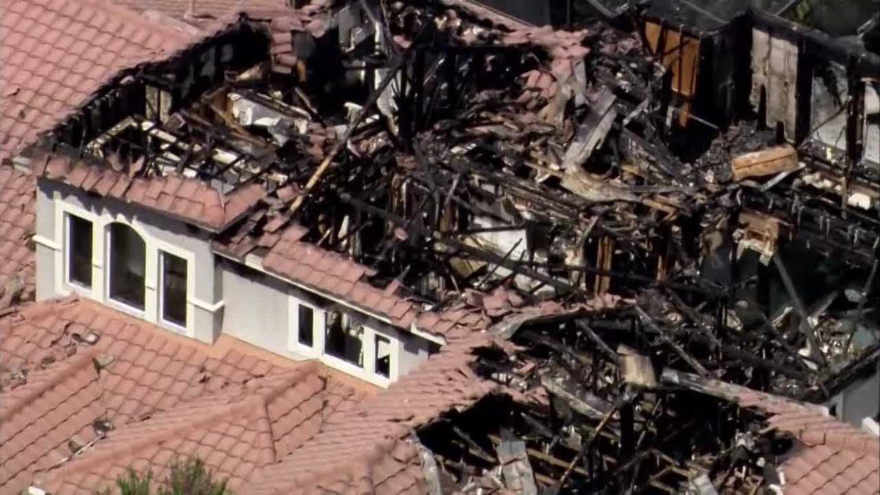 The home of Hall of Fame coach Lou Holtz caught fire early Sunday morning in Orlando, according to the Orlando Fire Department.