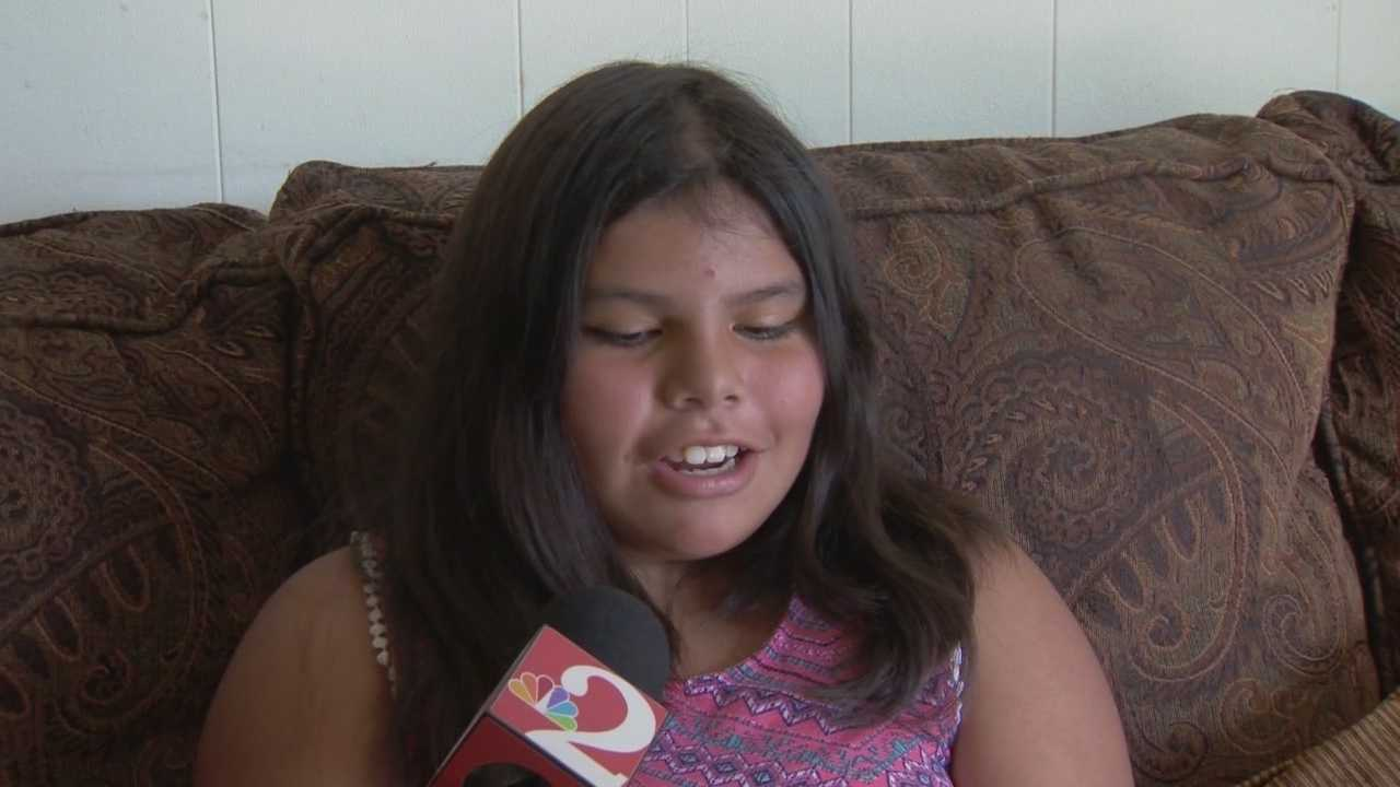 Jazzmin Perez, 11, was home alone when a burglar broke into her mother's bedroom window. Claire Metz (@clairemetzwesh) has the story.