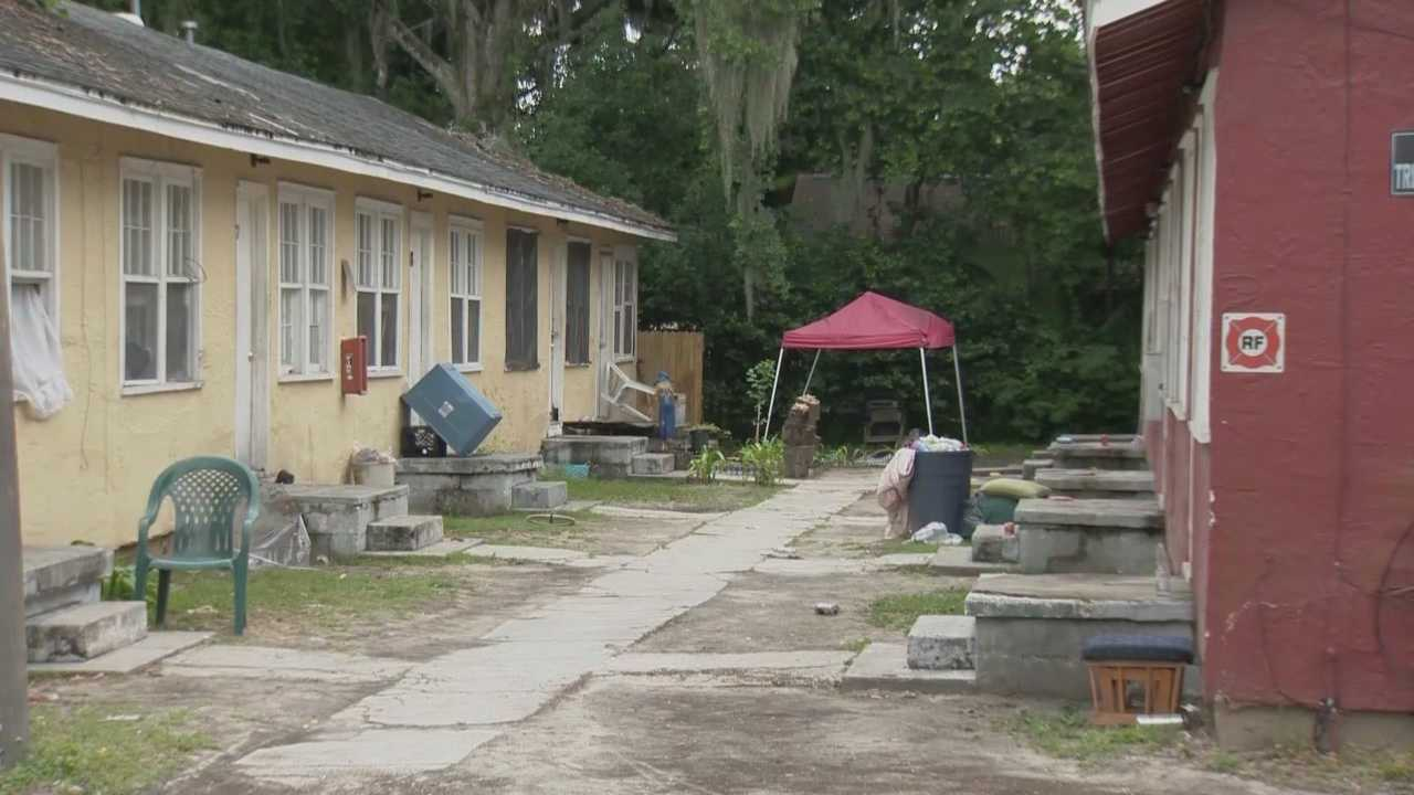 A Daytona Beach apartment complex has been shut down. The city made the decision following complaints from neighbors about deteriorating conditions. Claire Metz (@clairemetzwesh) has the story.