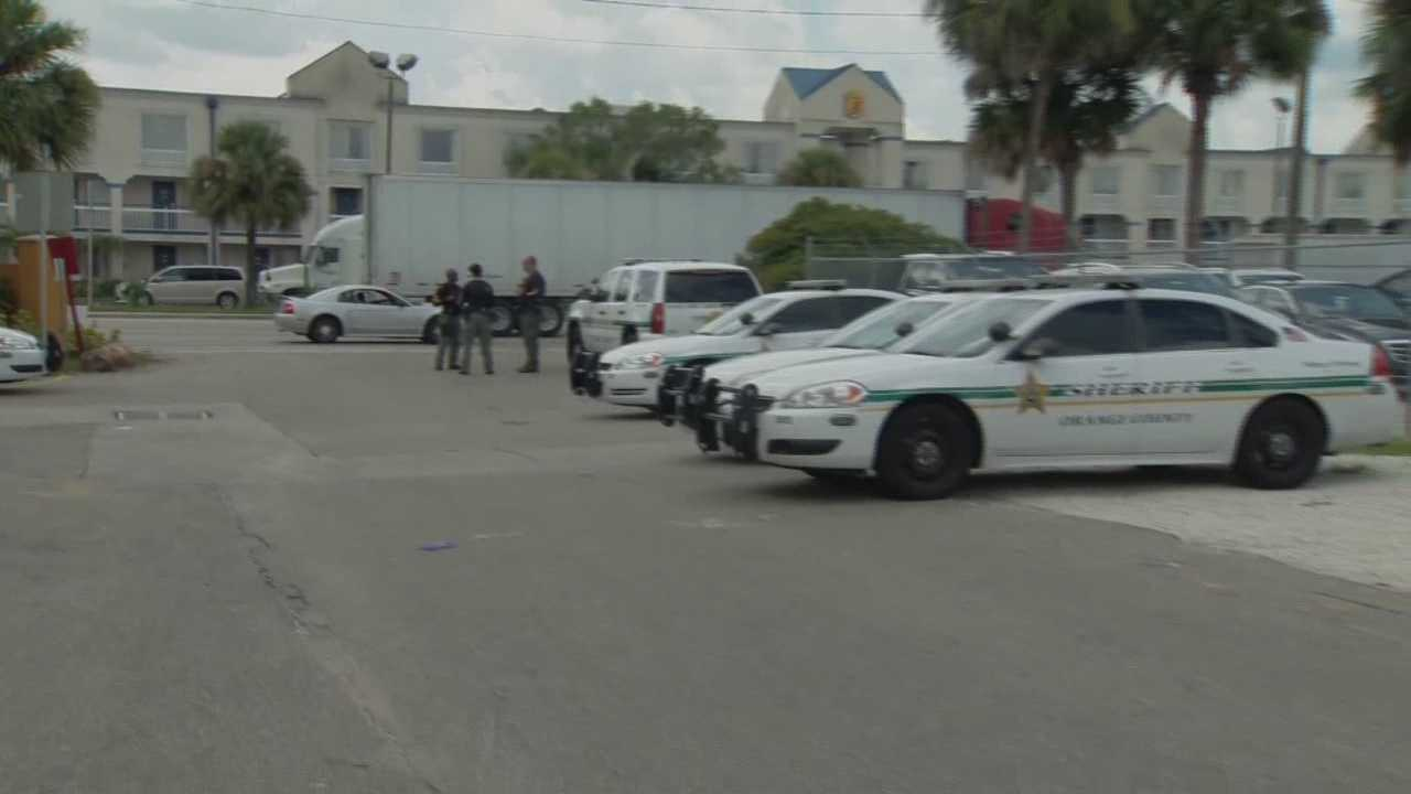 After 13 heroin overdoses at one Orange County apartment complex over the past three days, officials have sent an emergency response team to the area for round-the-clock patrols. Greg Fox (@GregFoxWESH) has the story.