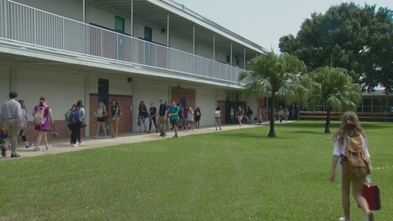 The top public school in all of Florida, according to a survey by Newsweek, is in Melbourne. West Shore Junior/Senior High School has taken the No. 1 spot.  Dan Billow (@DanBillowWESH) has the story.