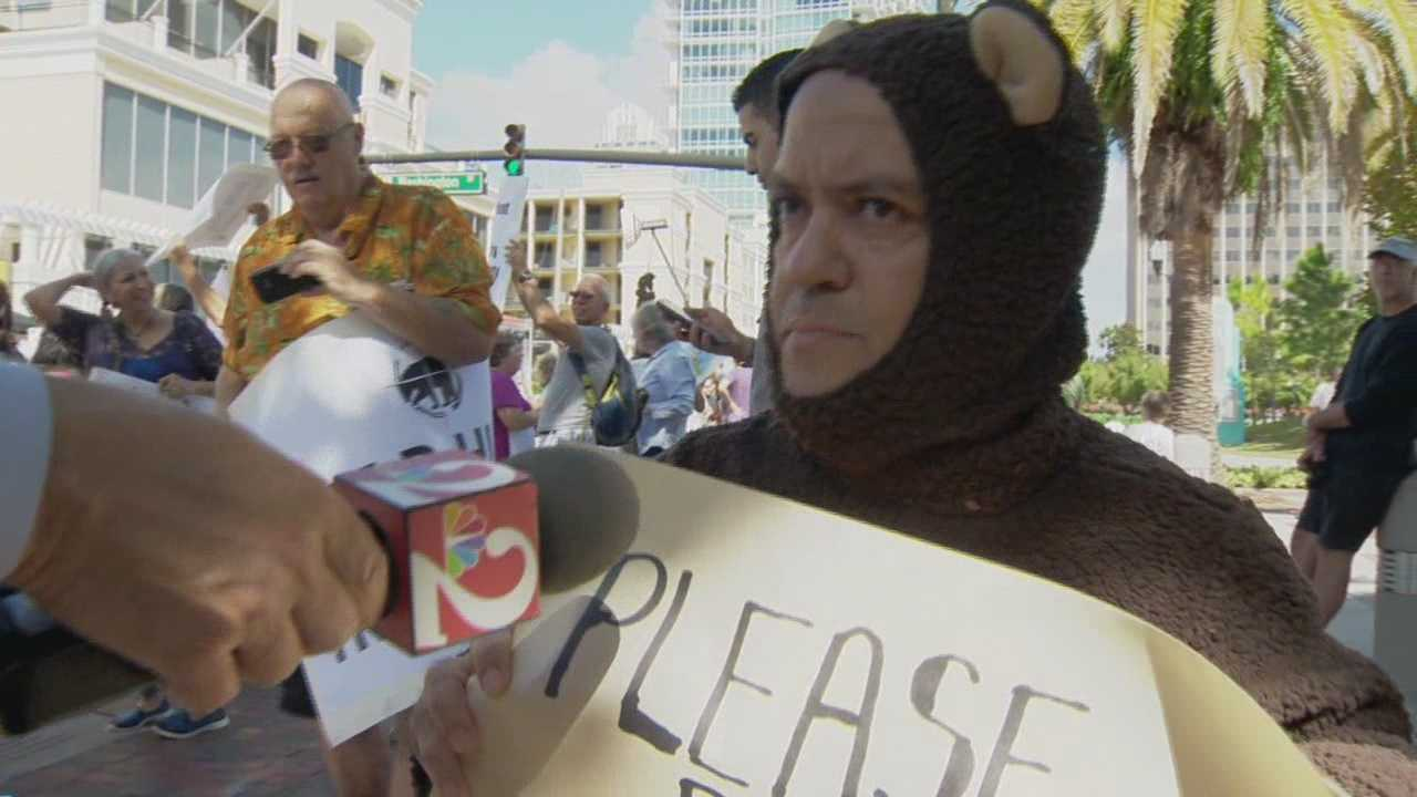 More than 200 people hit the streets in downtown Orlando Friday as part of the statewide protests over the first bear hunt in two decades. Greg Fox (@GregFoxWESH) has the story.