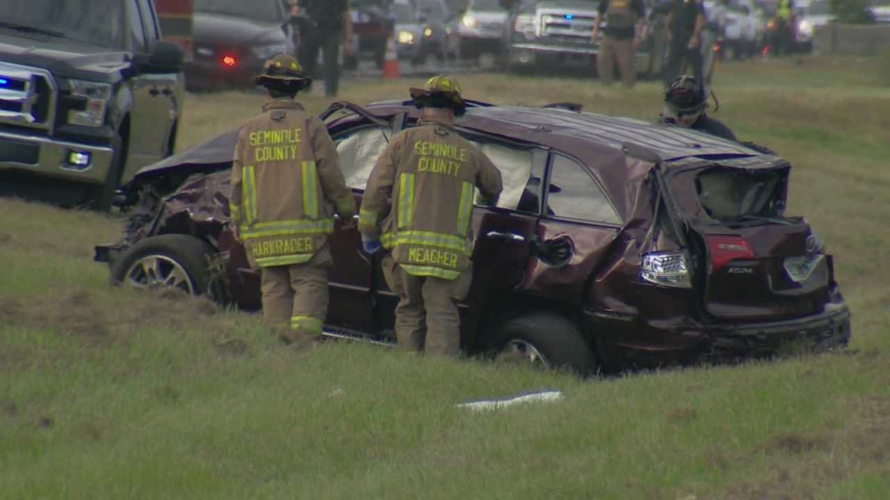 New details are emerging about Monday night's crash on SR 417 that left two people dead and three others seriously hurt. Those that were involved were burglary suspects, who were trying to get away from police, moments before the accident. Dave McDaniel (@WESHMcDaniel) has the story.