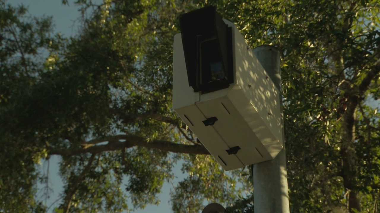 Orlando is stepping on the gas when it comes to its red light camera program. Greg Fox (@GregFoxWESH) shows us what drivers can expect.
