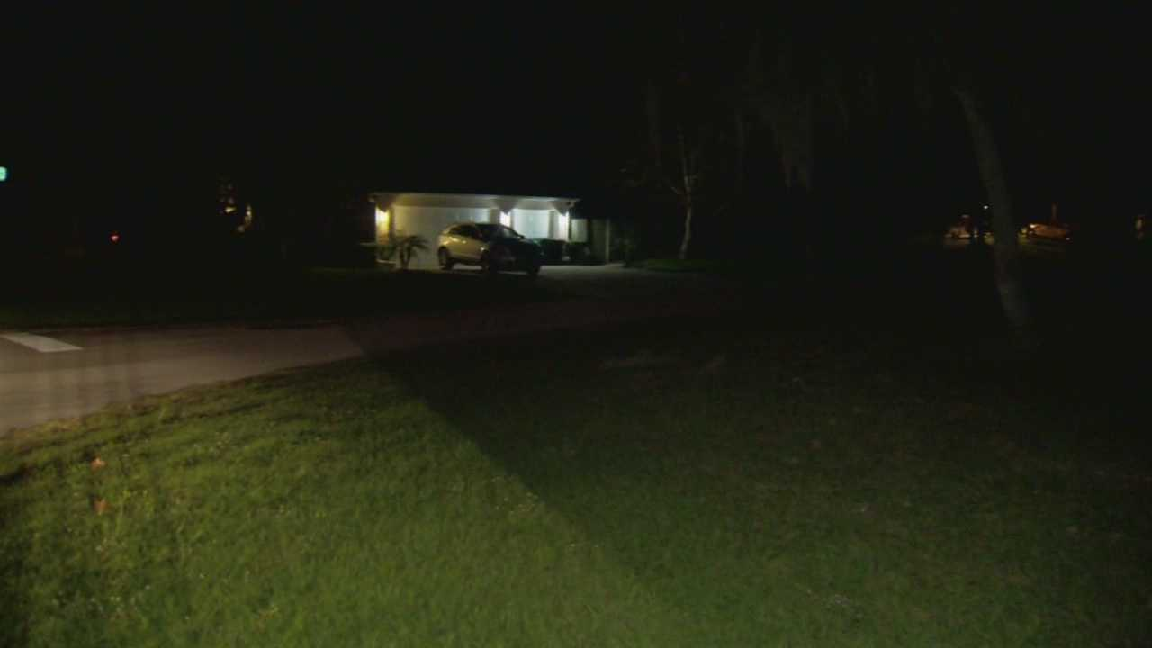 Volusia County sheriff's deputies are looking into another prowling case, and this time, the suspect wasn't just peeping. Matt Lupoli reports.