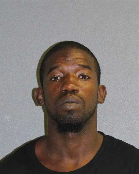 DAVID BAKERPOSSESSION OF CANNABIS NOT MORE THAN 20 GRAMSBATTERYRESISTING AN OFFICER WITHOUT VIOLENCEPOSSESSION OF COCAINEBURGLARY OF AN OCCUPIED DWELLING