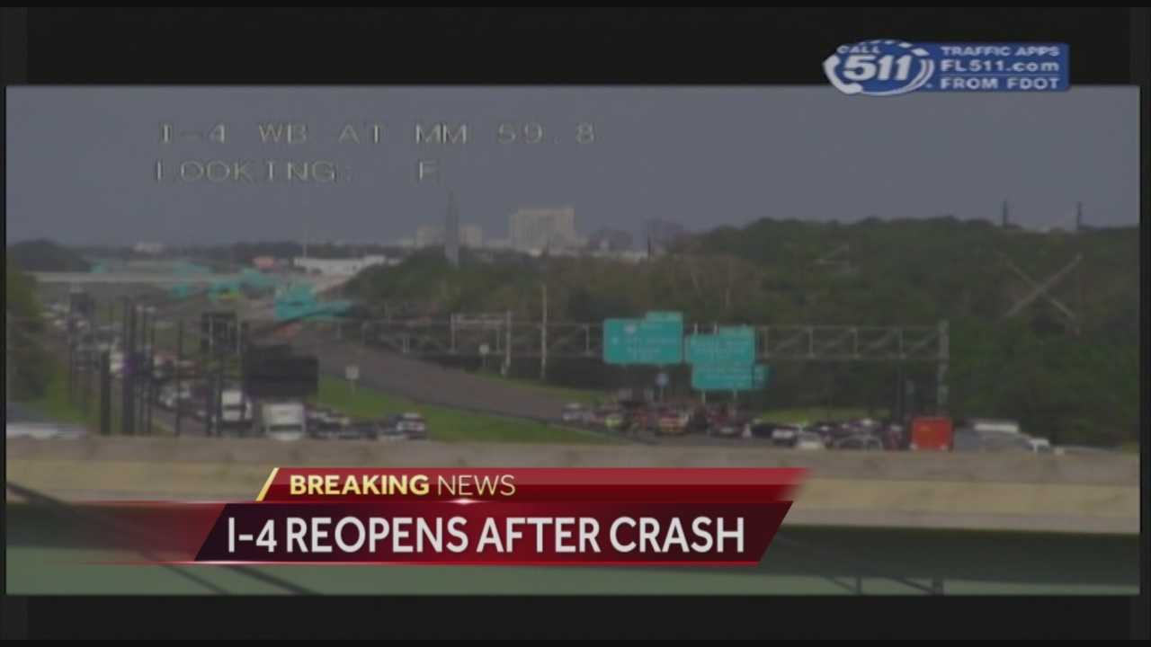 A crash with injuries temporarily shut down a portion of Interstate 4 in Kissimmee, according to the Florida Department of Transportation.