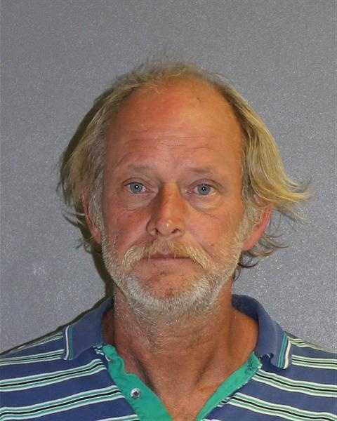 ROY HINSCHPOSSESSION OF COCAINEOBSTRUCT PUB. TO SOLICIT W/O PERMITPOSSESSION OF PARAPHERNALIA
