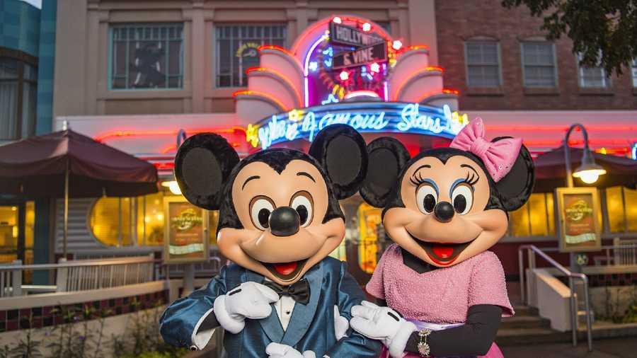 10 Ways To Celebrate Valentine S Day At Walt Disney World