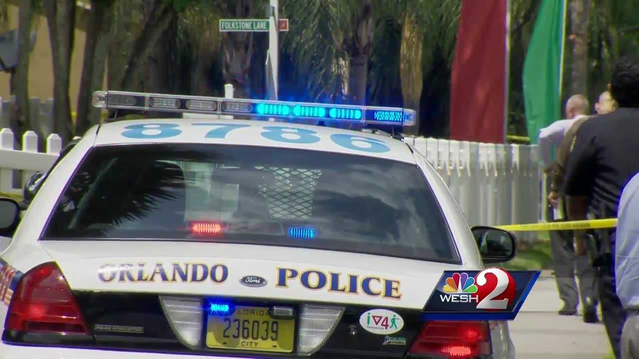 The innocent bystander struck by a bullet in the shootout between Orlando police and a suspect Wednesday gives his recollection of the events. WESH 2 News Reporter Bob Kealing has the story.
