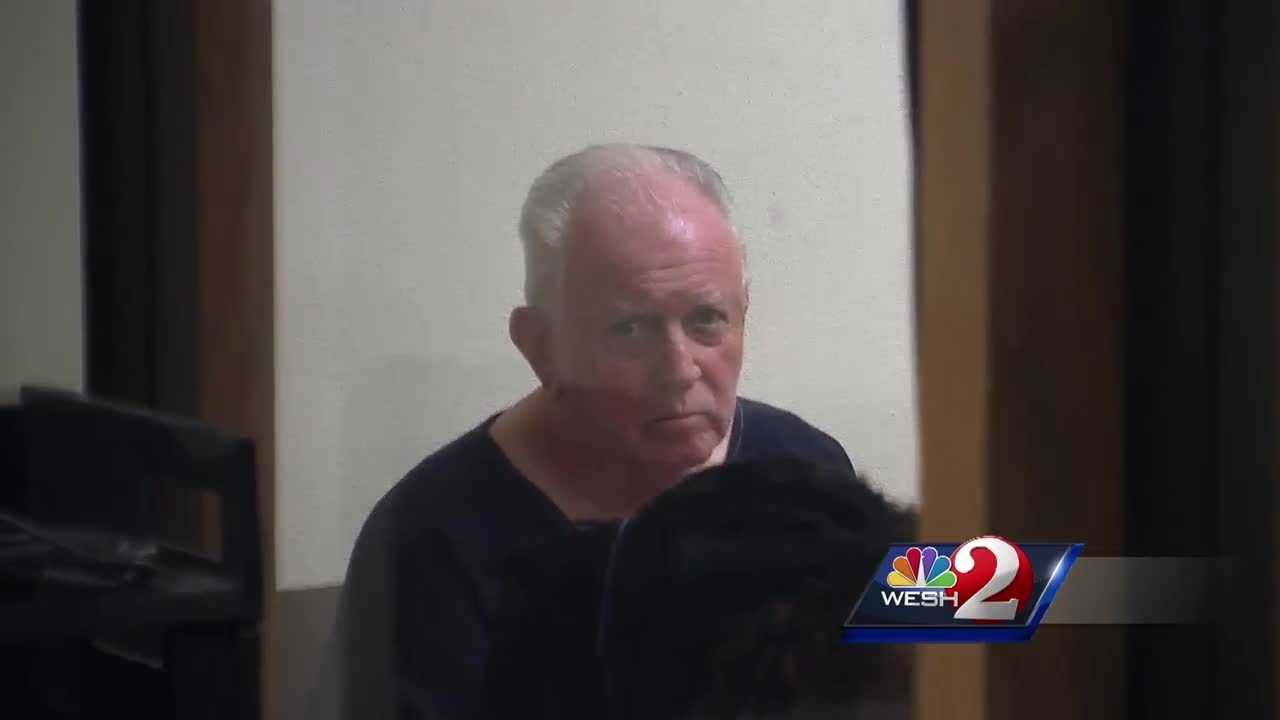 A local man is accused of trying to sell a large amount of painkillers to an undercover officer. Robert Green, 74, has never been in jail before, but a prosecutor said he may never get out of jail now. Dan Billow (@DanBillowWESH) has the story.