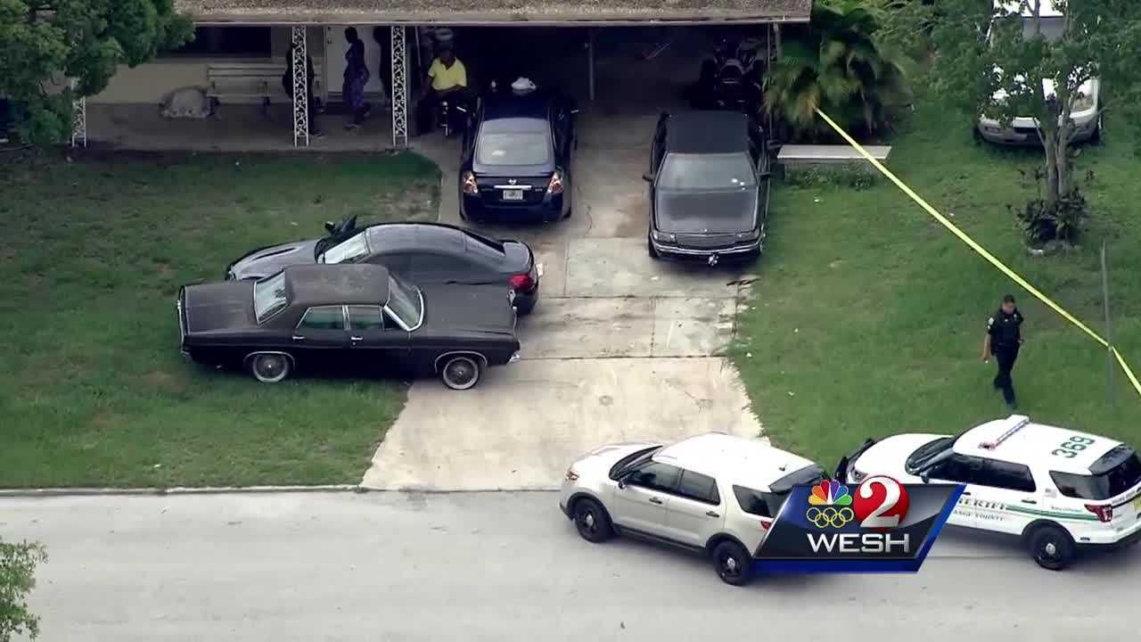 The search continues for a suspect in an Orange County carjacking. Deputies say the man stole a car at gunpoint, but he didn't get very far in the vehicle. Summer Knowles (@WESH2SummerK) has the story.
