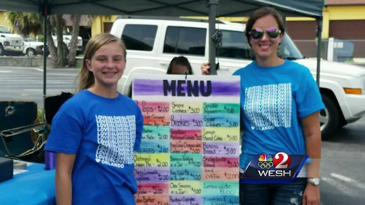 Many people are trying to find the best way to help the Pulse shooting victims. One local family and their friends baked cookies and cupcakes to raise money for the victims and their families. Alex Villarreal reports.