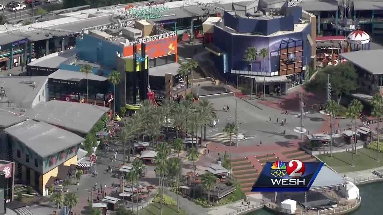 South parking garage reopens at Universal